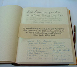 Germany 2005 Gallery: Signing the Goldene Buch