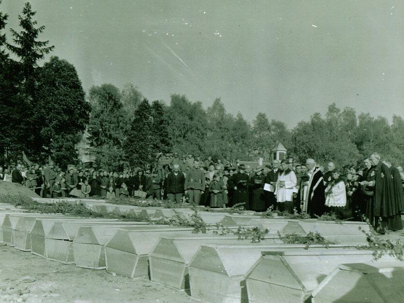 Signal Corps Photos: The Funeral Ceremony
