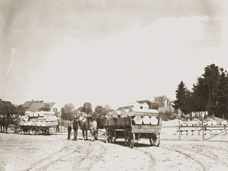Signal Corps Photos: Transporting Coffins