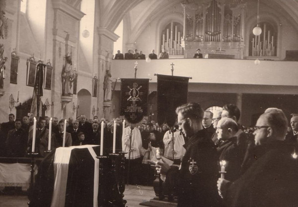The Fr. Viktor Gallery: Funeral Service